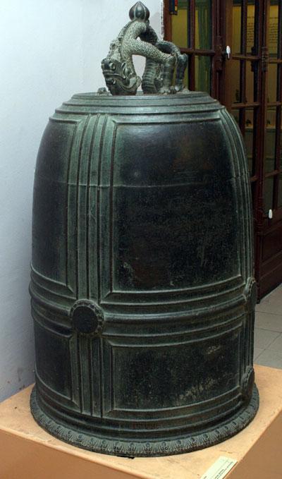 Chuông đồng đen