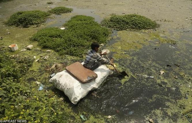 Hình ảnh ô nhiễm nghiêm trọng nguồn nước