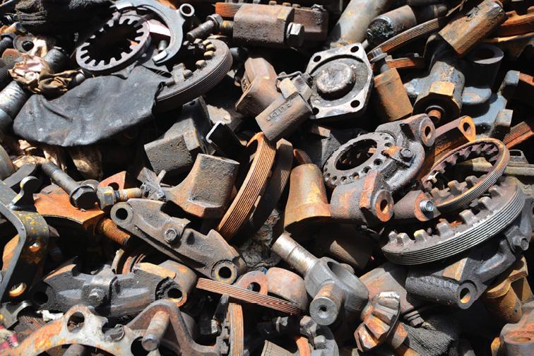 Mua sắt vụn sắt thép cong trình nhà dân giá cao nhất cả nước
